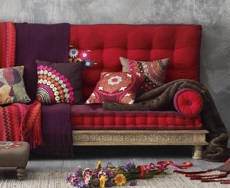 Mantas y cojines para el sofá :: Imágenes y fotos