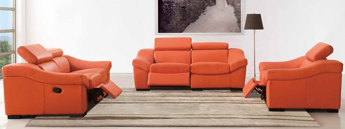 Sillones naranjas para un sal n moderno im genes y fotos - Sillones para salon ...